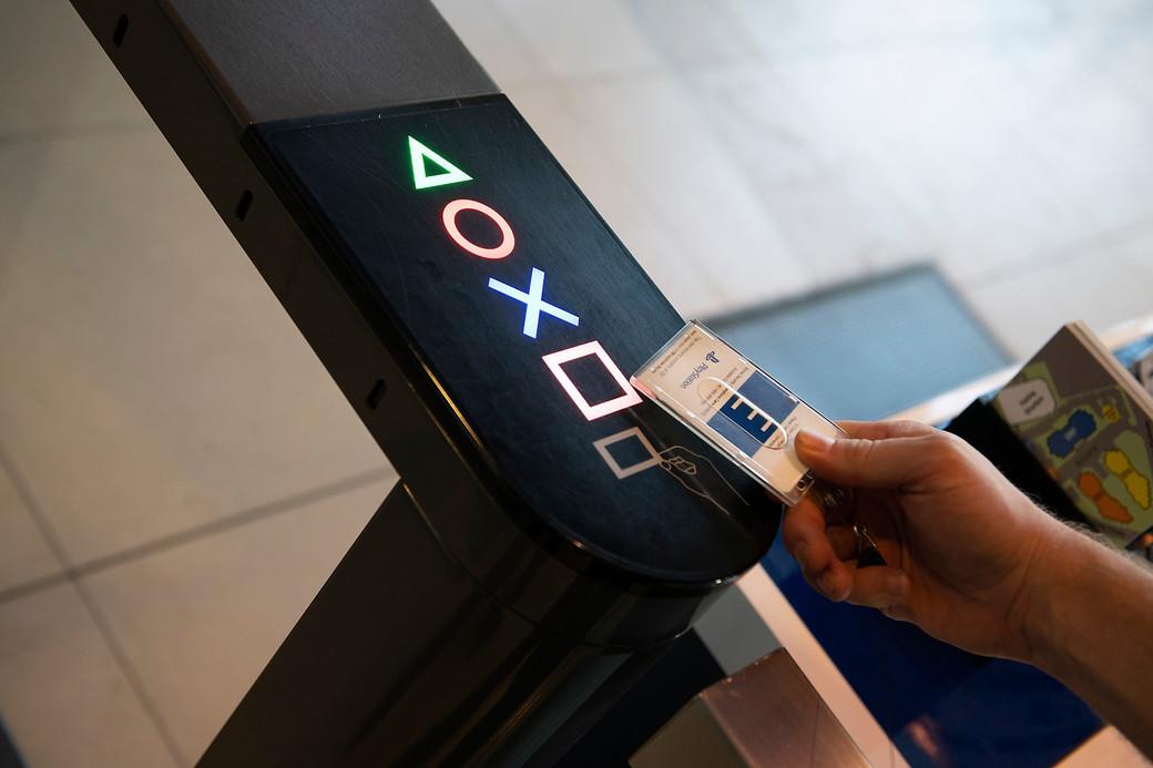 medium_Sony-PS-OS720-03